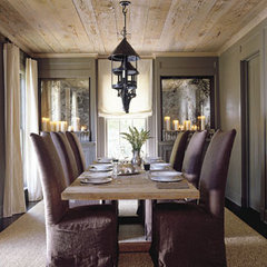 traditional dining room by Saunders Bradford