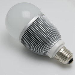E27 LED Bulb, 10W - E27-xW7X1-G series globe type LED replacement bulb for traditional medium screw base lamps. Light output comparable to 45~50 Watt incandescent bulbs. Consumes 10 Watts of power using 7 x 1 Watt White LEDs. Brightest bulb of this type. Available in Cool White, Natural White, or Warm White with 360° beam pattern.