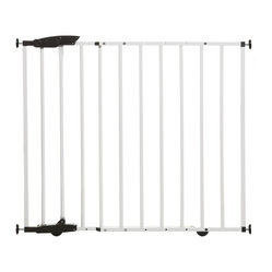 Dreambaby - Dreambaby York Gro Gate - You'll enjoy complete confidence with this baby gate. It's got two-way mounting to serve as a swing gate or pressure barrier — perfect protection for your busy bundle of joy.