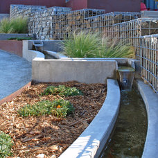 Contemporary Landscape by The Watershed Company