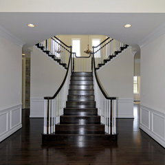 traditional staircase by Douglas Homes Inc.