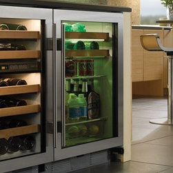 "Sub-Zero 24"" Undercounter Beverage Center - Ideal for any room, the beverage center features two sliding racks and two shelves."