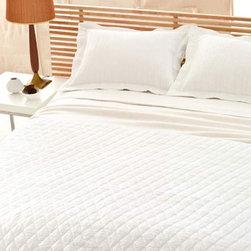 Pine Cone Hill - Hardwood White Matelasse Coverlet - Hardwood White Matelass- Coverlet