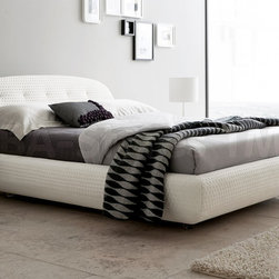 Eclipse Platform Bed in White -