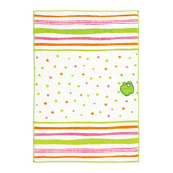 Marna - Green Apple Microfiber Kitchen Cloth - This microfiber kitchen cloth does all the dirty work while maintaining undeniable charm. Covered in a playful pattern, it's made of easy-to-wash materials for quick cleanup.   11'' x 15.7'' Polyester / nylon Imported
