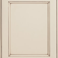 Traditional Kitchen Cabinets Jamesburg door style - Fieldstone Cabinetry