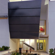 Modern Exterior by Mesh Architecture and Fabrication