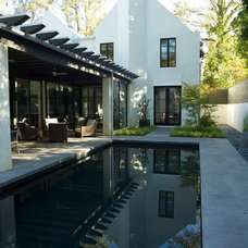 Modern Pool by Bradley E Heppner Architecture, LLC