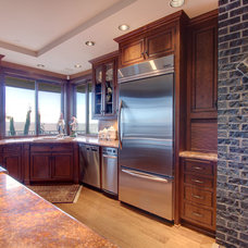 Traditional Kitchen by Better Builders