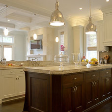 Traditional Kitchen by LG Construction + Development