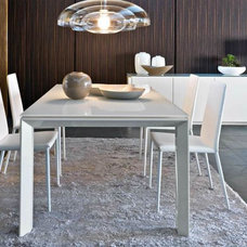 Modern Dining Room by UPinteriors