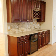 Traditional Kitchen Cabinets by Kitchen Cabinet Kings