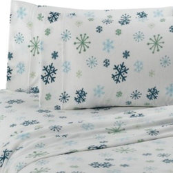 Berkshire - Microloft Snowflake Full Sheet Set - Bring the wonder of winter into your bedroom with these comfortable Microloft sheets featuring a snowflake design. Sheets are a luxurious and cozy alternative to flannel.