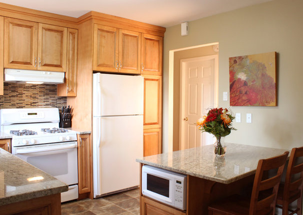 Traditional Kitchen by Decorating Den Interiors - The CPI Team