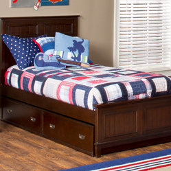 Hillsdale Furniture Nantucket Sleigh Bed Set with Trundle / Storage Drawer