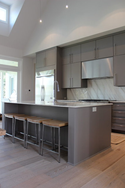 Contemporary Kitchen by Carrie Roby Interiors, LLC
