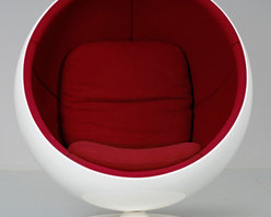 Eero Aarnio | Ball Chair | Stardust - Eero Aarnio | Ball Chair from Stardust.  The most celebrated and recognizable piece of 1960s modern design furniture.  The Adelta Ball Accent Chair Range by Eero Aarnio. Manufactured by Finish/German brand Adelta this futuristic and dynamic piece was designed in 1966 by pioneer of 60s design - Eero Aarnio and is available in the US through Stardust.com.  Groundbreaking, it was the first chair to have been made from a fiberglass ball and is today considered as a classic design of modern furniture. Aarnio Ball Chair was one of the first chairs exhibited in the Museum of Modern Art, New York.  From Stardust.com