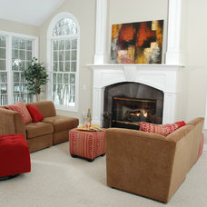 Traditional Family Room by Ultimate Staging & Decor, LLC