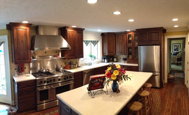 Traditional Kitchen Cabinets by Zinn Kitchens, Inc