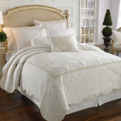 Lenox - Lenox Opal Innocence Quilt - Inspired by the Lenox fine bone china pattern, the Opal Innocence quilt is a framed damask design with metallic stitching atop a printed cotton ground. Scalloped edges and mitered corners add grand details to create an elegant design.