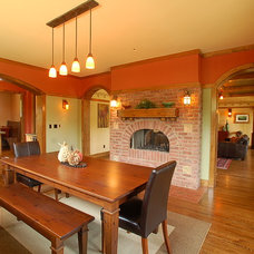 Craftsman Dining Room by Defining Spaces Inc.