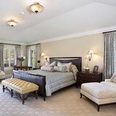 Bedroom by von Hemert Interiors