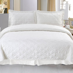 None - Lavish Home Andrea 3-piece White Quilt Set - Add charm to your bedroom with the beautiful Andrea 3-piece quilt set. Made of 100-percent polyester microfiber,this set includes a quilt and two shams (one sham for twin size).
