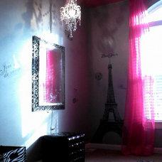Contemporary Kids Paris Girl's Room