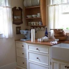 Traditional  Vintage Unfitted Kitchen Design