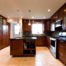 Contemporary Kitchen Cabinetry by A&S Cuisines salles de bain