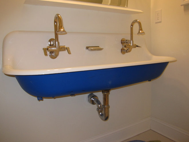 Fresh Idea: Accent Color Brightens Up the Sink