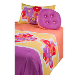 Rizzy Home - Lattice Orange Full/Queen Size Kids Comforter Bed Set - A vibrant splash of color, this bright purple and orange duvet ensemble is the background for a vibrant and abstract floral display in purple, orange, yellow, and white.  A modern and sophisticated selection for children of any age.