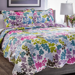 None - Slumber Shop Danielle 3-piece Reversible Quilt Set - Infuse contemporary color into your bedroom with this chic Danielle quilet set. Reversible for double the use,this quilt is finished with vermicelli embroidery to add both style and durability as well as scalloped edges for added sophistication.