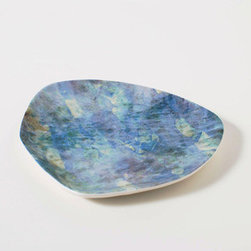 Watercolor Gem Dish in Green - Made of high-quality porcelain, this dish is perfect for tossing your keys, storing jewelry or other knickknacks, or serving up tasty treats to guests.