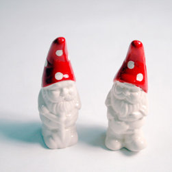 Garden Gnome Shaker Set - Sneaky gnomes are trying to hide in your garden! Put them where they belong: on your table disguised as salt and pepper shakers.