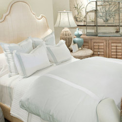 Montague and Capulet California King-Eastern King Duvet Seafoam/White - Bold stripes doubly re-define your bed as a space that's comfortably luxe and relaxing to feel, but active and decisive to view. This contrasting treat for the senses is the characteristic of the Live to Tell collection of high-end bedding, and is well-expressed by the wide and vivid spaces of this knife-edged Egyptian cotton duvet. A zip closure to the washable cover allows for an easy and immediate personality change for your bed.