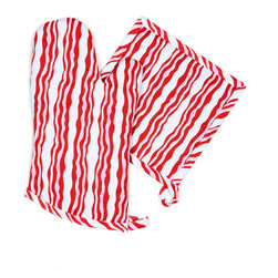 Working Class Studio - Bacon n' Eggs Collection - Bacon - Oven Mitt/Pot Holders - Everyone's favorite breakfast side makes a surprisingly stylish modern stripe pattern that's perfectly suited for the kitchen. This savory set gives you one oven mitt and one matching pot holder, so you're covered for two-handed jobs.