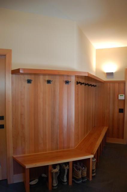 Snowshoe House modern-entry