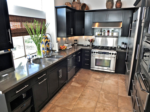 Designs Own traditional-kitchen