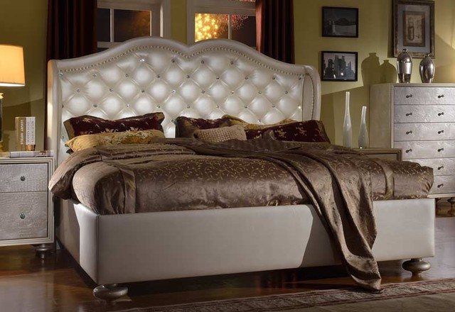 McFerran Home Furnishings - LA Glam Bed in Silver - B1700 traditional-beds