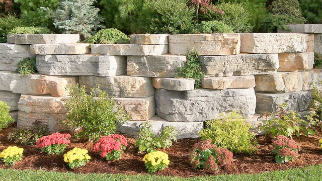 Rosetta Outcropping - Landscaping Stones And Pavers ...