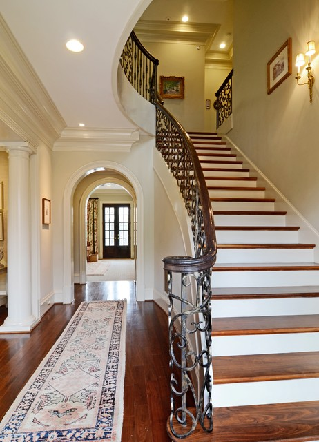 Valerie Deroy Interiors traditional-entry