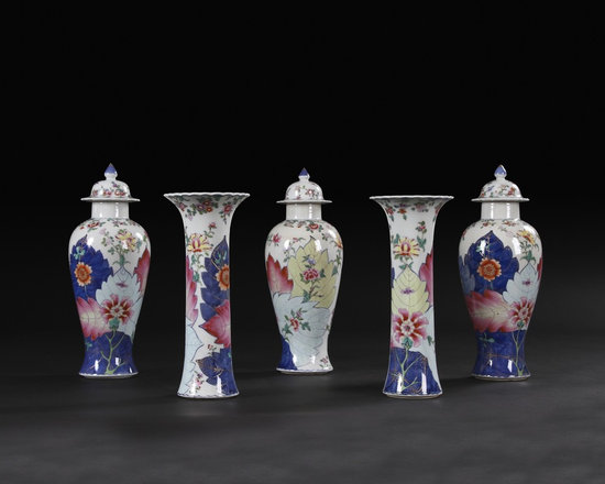 Chinese Export Tabacco Leaf Garniture - Chinese Export Tabacco Leaf five piece garniture.