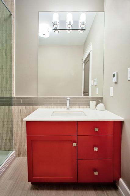 Ensuite with a Pop of Colour contemporary-bathroom