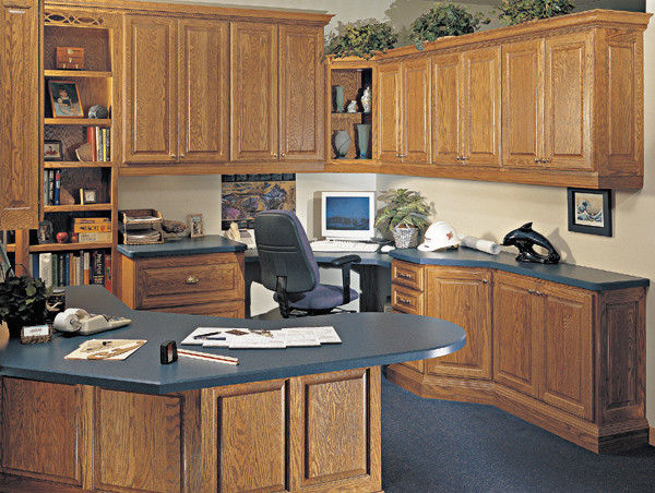 Canyon Creek Cornerstone Windsor In Red Oak With A
