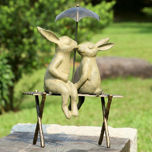 Bunny lovers on bench garden statue eclectic garden for Figurine decoration jardin