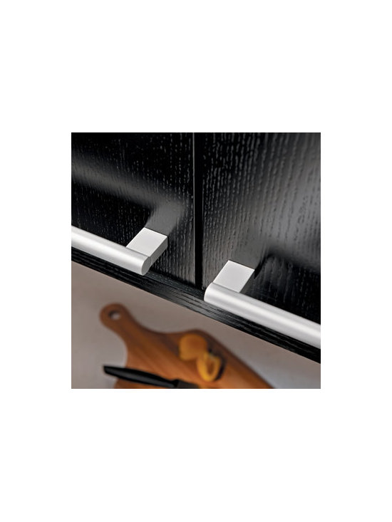 Round Bar Pull - Add a modern touch to your cabinetry with our Round Bar pull.