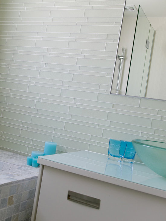 Island Stone Breeze Linear Glass Bathroom with Classic Mosiacs Tile - The subtle hue of the Breeze colored Linear glass wall blends beautifully with the natural range of colors of the Himachal White Classic Mosaic tiles used to surface both the floor and tub in this original bathroom design