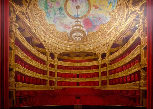 Attente: Paris Opera House Mural