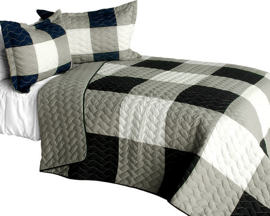 Blancho Bedding - City Light - A Cotton Vermicelli-Quilted Patchwork Plaid Quilt Set-Queen - The [City Light - A] Cotton Vermicelli-Quilted Patchwork Plaid Quilt Set-Queen includes a quilt and two quilted shams. This pretty quilt set is handmade and some quilting may be slightly curved. The pretty handmade quilt set make a stunning and warm gift for you and a loved one! For convenience, all bedding components are machine washable on cold in the gentle cycle and can be dried on low heat and will last for years. Intricate vermicelli quilting provides a rich surface texture. This vermicelli-quilted quilt set will refresh your bedroom decor instantly, create a cozy and inviting atmosphere and is sure to transform the look of your bedroom or guest room. (Dimensions: Full/Queen quilt: 90.5 inches x 90.5 inches; Standard sham: 24 inches x 33.8 inches)